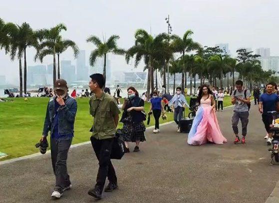 54歲溫碧霞現身深圳 網友:現實和歲月一樣無情