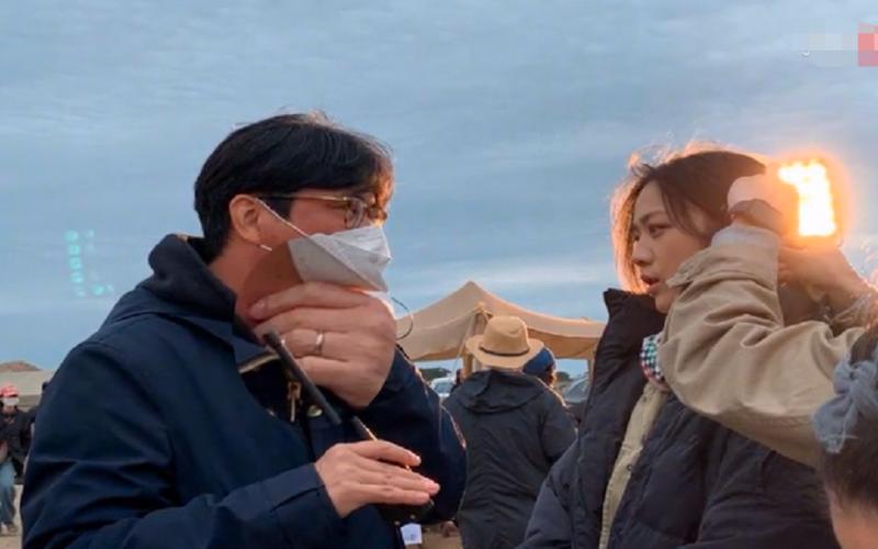 湯唯與大10歲韓國老公同框,片場對視太溫馨