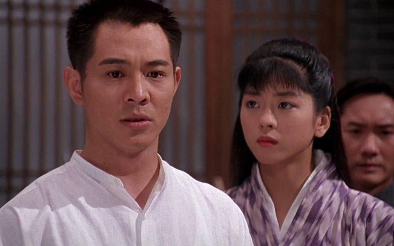 《精武英雄》時隔27年,58歲李連杰老態龍鍾,48歲女主依舊如少女
