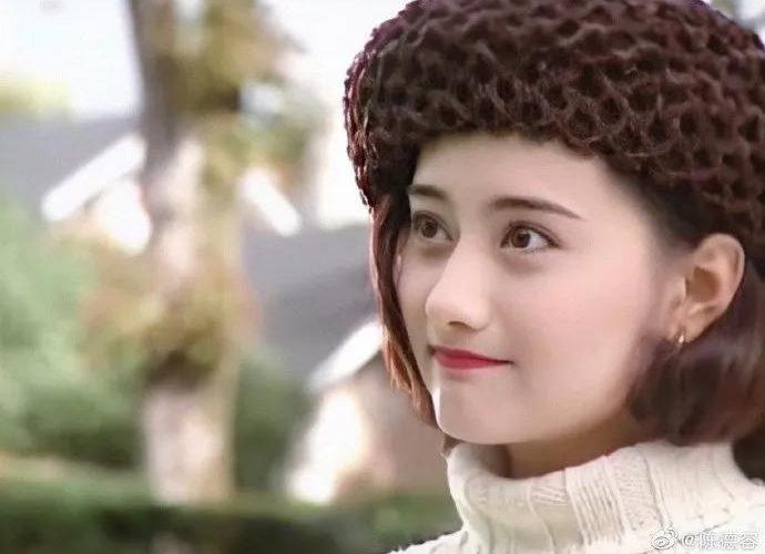 陳德容:被困在瓊瑤劇裡的前半生
