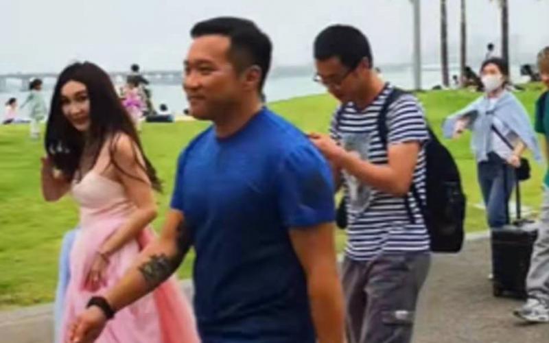 被網友抓拍無美顏一面,54歲溫碧霞被網友吐槽:像梅超風