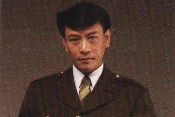 羅文,香港樂壇的教父,一人千面的「妖王」,為何再也無人能超越他?