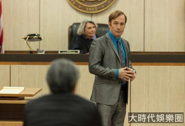 《風騷律師》主演片場暈倒,被緊急送醫情況不明