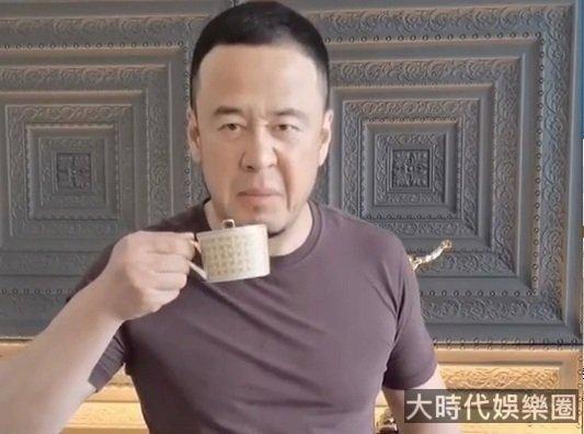 楊坤疑似暗諷吳亦凡:有奶不好好喝,這下熄火了吧